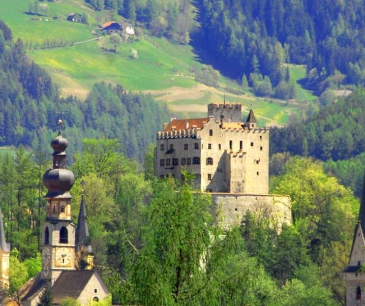 Brunico e il Museo Messner