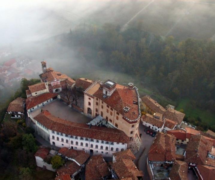 Borgo di Barolo, festival culturale e ottimo vino