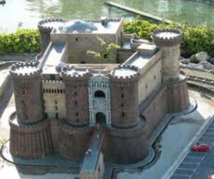 Castel Nuovo, reggia e fortezza di Napoli