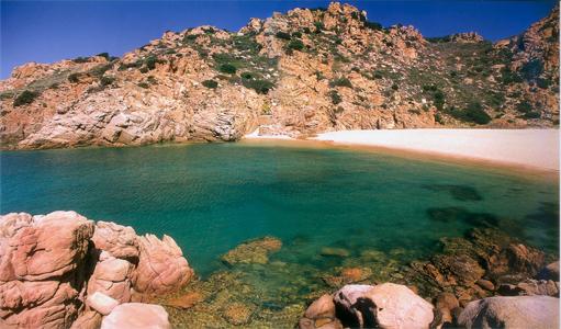 In Sardegna, tra Costa Paradiso e Aggius