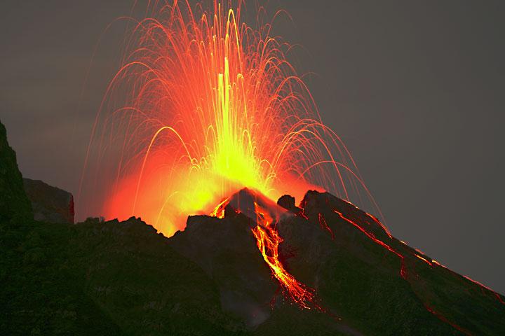 Stromboli, il vulcano che dà spettacolo