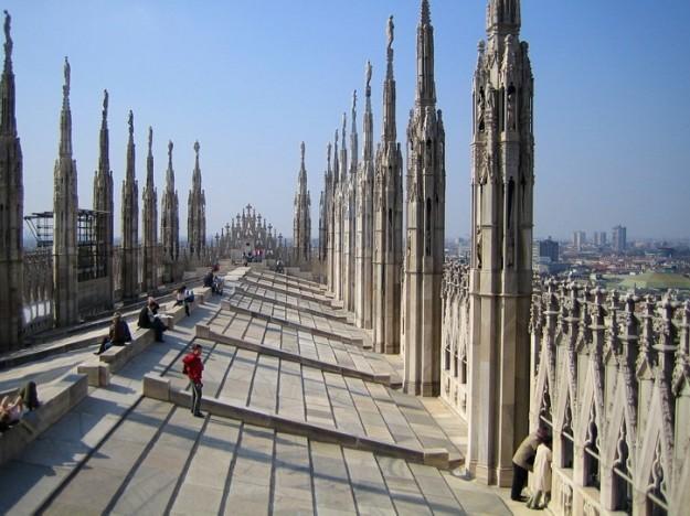 https://www.emozioniinviaggio.net/wp-content/uploads/2014/02/terrazze-duomo-di-milano.jpg