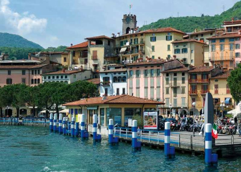 A Lovere, sulle sponde dell'Iseo