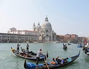 Novembre a Venezia tra tradizioni, arte e fotografia