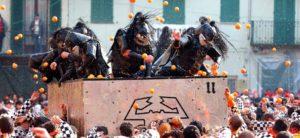 Battaglia-delle-arance-allo-Storico-Carnevale-di-Ivrea