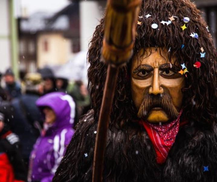 Carnevale di Sappada: in maschera sulla neve