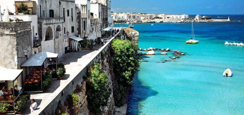 Vacanze estive Puglia: a Otranto spiagge da favola e mare turchese