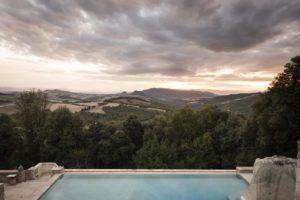 Pasqua 2018: piscina panoramica Borgo Pignano, Volterra, Toscana
