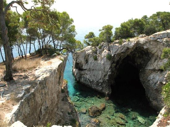 Isole_Tremiti_Grotta_delle_Viole_San_Domino
