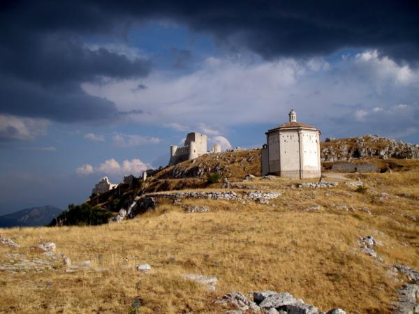 Tre cose da vedere in Abruzzo, dal Gran Sasso al mare